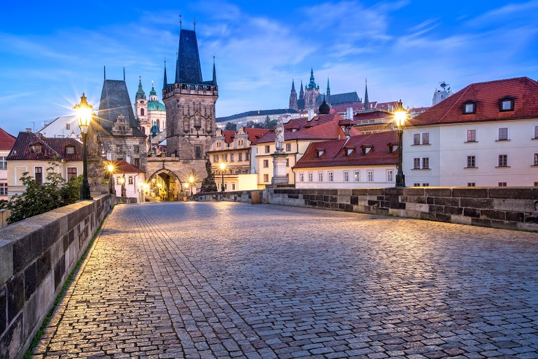 charles_bridge_tower_and_castle_prague