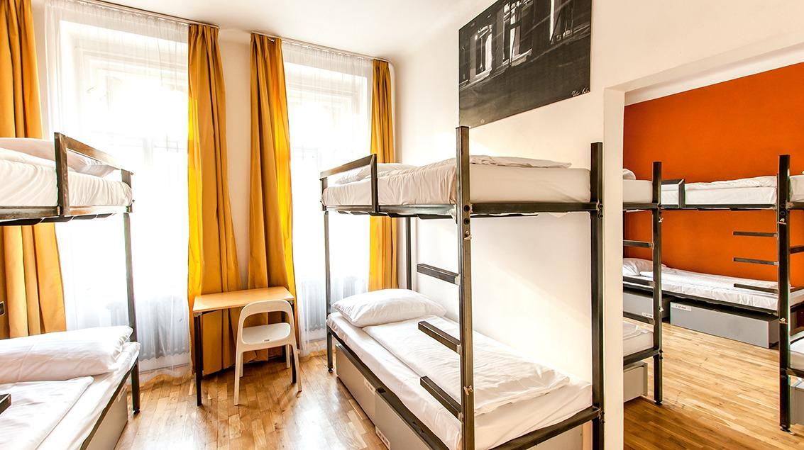 czech inn hostel prague 10 bed female dorm