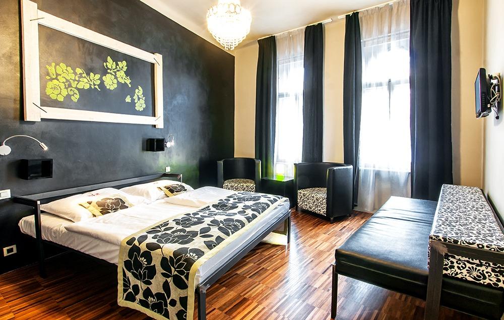 czech inn hostel prague double triple with private bathroom