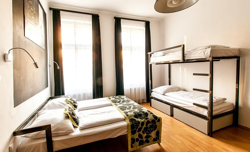 Studio apartment with private bathroom czech inn for Designer apartment prague