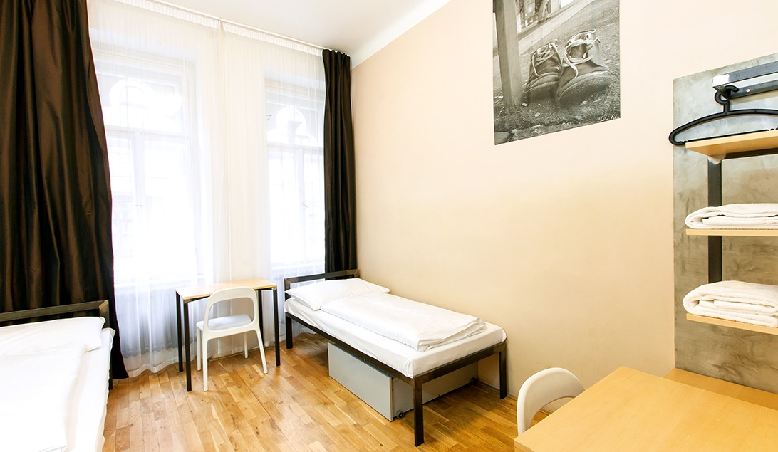 czech inn hostel prague twin with shared bathroom