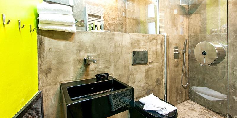 Czech Inn Private Room Bathroom
