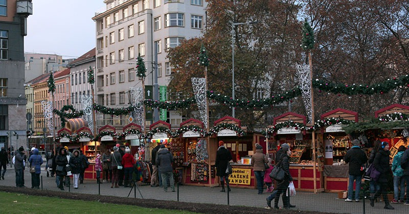 christmas markets namesti miru