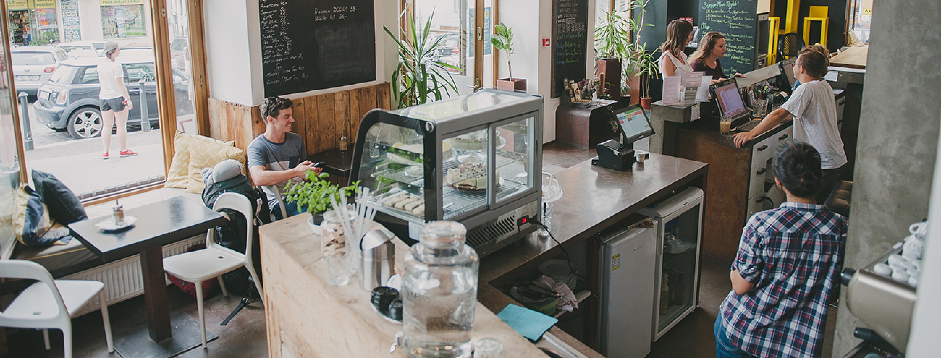czech_inn_hostel_prague_reception_area_and_cafe_5_1300x495