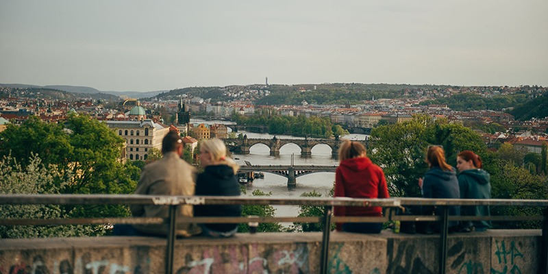 czech_inn_hostel_prague_spring_2_800x400